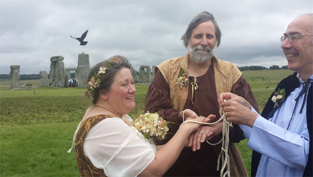 02-vows-that-wow-celebrant-handfasting Making the Most of Your Wedding Day with a Wedding Celebrant